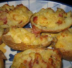 Stompad potatis med Västerbotten ost och bacon Jack Potato, Baked Potato, Ost, Dessert Recipes, Desserts, Cauliflower, Shrimp, Recipies, Food And Drink