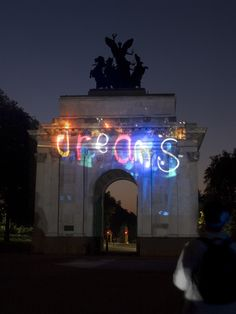 Maggies Night Hike 2008 Installation - Dreams - Interactive projection lighting, Wellington Arch