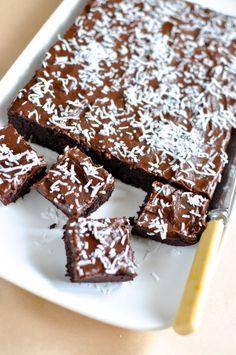 Paleo chocolate coconut slice