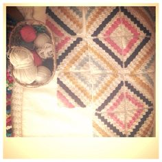 Love2Bloom #Crochet #blanket #tutorial #howto #craft #project #make #DIY #gifts