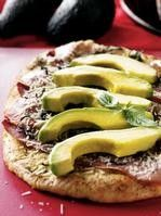 This is not your ordinary pizza, although it's almost as easy as dialing for delivery. This classy combination includes prosciutto, Asiago cheese and slices of creamy avocado. Pizza and avocado make a great team. Gourmet Pizza Recipes, Healthy Eating Recipes, Prosciutto Pizza, Grilled Pizza, Avocado Pizza, Pumpkin Seed Recipes, Football Snacks, Incredible Recipes, Sugar Free Recipes