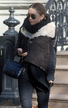 MARY-KATE   SHEARLING JACKET IN NYC - Olsens Anonymous