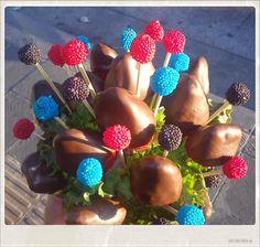 Fresas con chocolate y moritas!