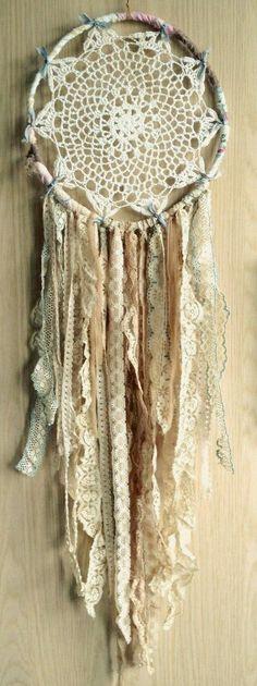 Bohemian Spirit Vintage Lace Trim Dreamcatcher DIY with the kids Los Dreamcatchers, Diy And Crafts, Arts And Crafts, Vintage Lace, Wedding Vintage, Vintage Diy, Vintage Bohemian, Trendy Wedding, Bohemian Style
