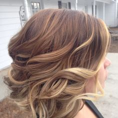 Short hair ombré balayage brown blonde