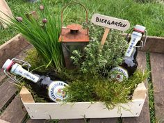 """""""Manine Makes"""" - A beer garden as a gift - Pearl mom """"Manine Makes"""" – Ein Biergarten als Geldgeschenk – Perlenmama A clever idea to wrap a gift of money beautifully and practically. An ideal gift for the garden and beer lover. Picnic Decorations, Wedding Decorations, Special Birthday Gifts, Happy Birthday, Beer Brewing Kits, Birthday Celebration, How To Make, Birthday Recipes, Diy Garden"""