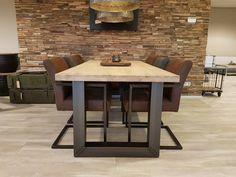 Stoere en stevige eettafel van steigerbuizen. Ook te gebruiken als bureau! Dinning Table, Dining Area, Dining Room, Steel Furniture, Rustic Furniture, Home And Living, Interior Design, House Styles, Decking