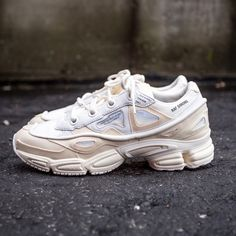 Raf Simons Ozweego (Bunny) - $460 Raf Simons Shoes, Raf Simons Sneakers, Dad Shoes, Dad Sneakers, Sneaker Heads, Sneaker Boots, Shoe Game, Trainers, Fashion Shoes