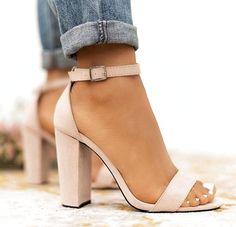 with block heel # high shoes # high shoes # knee high boots - Schuhes Ideen - Damenschuhe Fancy Shoes, Pretty Shoes, Prom Shoes, Women's Shoes, Buy Shoes, Cute High Heels, Hype Shoes, Sneaker Heels, Fashion Heels
