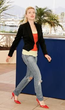 What Kinds of Jeans Should Hourglass Figures Wear?