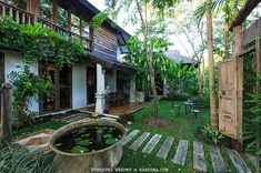House design architecture rustic new Ideas Modern Tropical House, Tropical House Design, Tropical Houses, Asian House, Thai House, Asian Interior Design, Interior Garden, Bali, Rest House