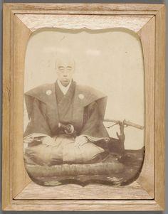 第10代藩主鍋島直正。佐賀城三の丸で直正52歳の時、撮影されたもの。 公益財団法人鍋島報效会 徴古館
