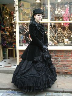 Bustle era AND goth aesthetic? Lovely!