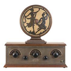 A 1925 Stewart Warner Model 300 Radio with Model 415 Speaker | Collectors Weekly