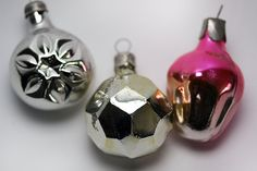 Vintage CHRISTMAS Tree Decor / Glass Balls / by EUvintage on Etsy