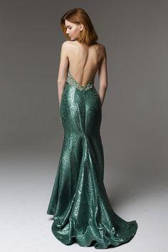 Шикарное платье с открытой спиной #greendress #longdress #darkgreen
