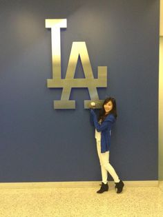 How did Girls' Generation's Tiffany do with her pitch for the Los Angeles Dodgers?