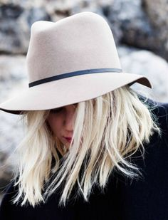 Do you know what's better than a great outfit? A great outfit with a hat. Wearing the right hat can make your outfit even more gorgeous and head-turning, it will simply make you look chic and elegant instantly, and the best of all, hats will always remind everyone about how feminine you are. #CoolHatsForWomen
