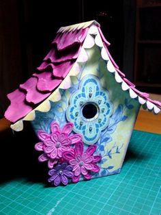 Google Image Result for http://www.purplecows.net/makeprojects/wp-content/uploads/2011/11/Michelle-birdhouse-main-picture.jpg