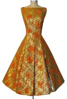 Rita Glyndawood´s new Thai dress....soooo nice!