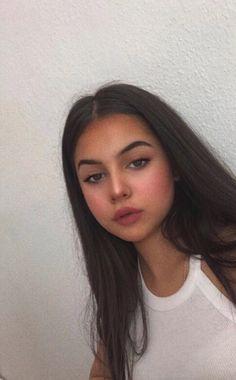 Beautiful Girl Photo, Cute Girl Photo, Girl Photo Poses, Girl Photography Poses, Couple Goals Teenagers Pictures, Cool Girl Pictures, Girl Photos, Catfish Girl, Snap Girls