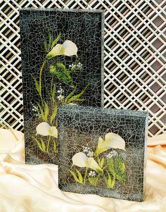 Moderna découpage de flores e efeito craquelado realçam painel