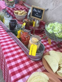 Taco bar i used mason jars in a trough filled with ice outdoor party foods, Taco Bar Buffet, Party Food Buffet, Party Food Signs, Taco Bar Party, Party Fiesta, Taco Bar Wedding, Outdoor Party Foods, Picnic Foods, Outdoor Parties