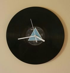 Sunday morning well spent making this dark side of the moon record clock. Not only does it look cool but was free!
