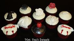 Twilight Breaking Dawn Cupcaks, from the wedding dress to the baby bump! haha its funny!