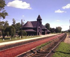 niles michigan RR depot  (This depot has been in many movies)