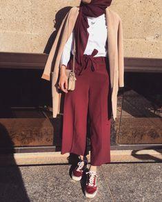 Junger Hijab - Fashion Magazine - Fashion Hijab J Nger Modern Hijab Fashion, Hijab Fashion Inspiration, Muslim Fashion, Modest Fashion, Trendy Fashion, Fashion Trends, Hijab Trends, Outfit Trends, Casual Hijab Outfit
