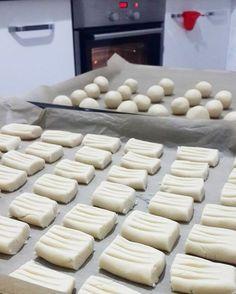 Pastanelerde satılan kendine has dokusu ile damakları şenlendiren un kurabiyesi tarifim var bugun sizlere.   uzun süre aynı tazelikte durab...