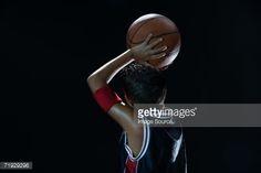 Foto de stock : Boy laying basketball