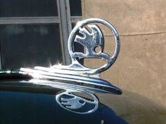 Škoda 706 | Staré náklaďáky Car Logos, Hood Ornaments, Badges, Planes, Trains, Automobile, Cars, Design, Figurine