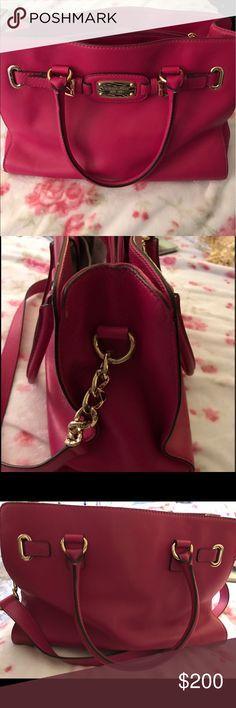 "Michael Kors Bag 14""➡️ Across  10"" ⬆️ High  4"" ↕️ Deep  Michael Kors Fuschia bag with gold chain/accents. Bags Shoulder Bags"
