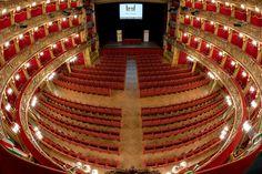Teatro Carignano   Torino, Italia   Capienza 875 posti   XVII secolo   http://www.teatrostabiletorino.it/view.php?folder=5&ID=13