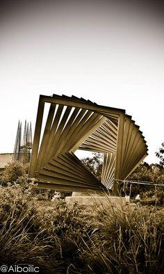 Espacio Escultórico UNAM by Aiboilic, via Flickr