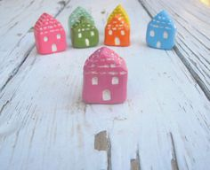 Miniature pink house autumn/fall home decor by TheAtticPrincess, €8.00