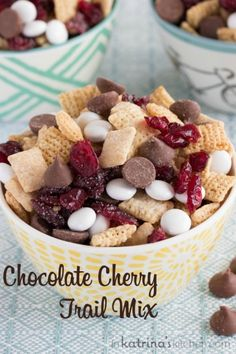 Chocolate Cherry Trail Mix is part of Snack mix recipes - Snackers unite! This Chocolate Cherry Trail Mix Recipe is peanutfree and a delicious snack to tuck away for a morning hike or an afternoon pick me up Trail Mix Recipes, Snack Mix Recipes, Snack Mixes, Kids Snack Mix, Chex Recipes, Cooking Recipes, Easy Snacks, Yummy Snacks, Healthy Snacks