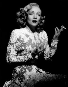 you did so well - Marlene Dietrich - Old Hollywood Glamour, Golden Age Of Hollywood, Vintage Glamour, Vintage Hollywood, Hollywood Stars, Classic Hollywood, Hollywood Gowns, Vintage Vogue, Vintage Fashion