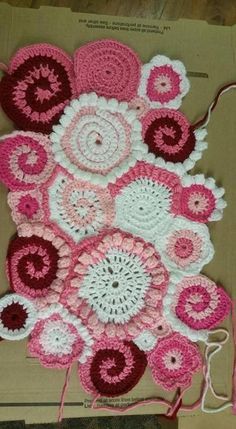Unlock endless project possibilities with scrumbling! Join renowned instructor Myra Wood as she demystifies eye-catching and richly textured freeform crochet.