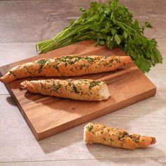 Pestostangerl (Foto: G. Butcher Block Cutting Board, Pesto, Carrots, Vegetables, Food, Oven, Easy Meals, Food Food, Recipies