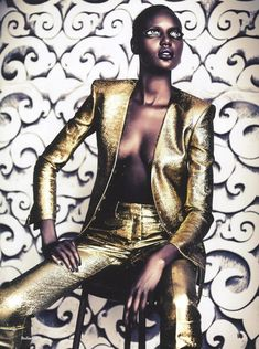 Model Ajak Deng for AnOther Magazine Fall 2011 by Fashion photographer Paolo Roversi, styled by Cathy Edwards. Paolo Roversi, Gold Fashion, New Fashion, Fashion Images, Fashion Black, Fashion Pictures, Fashion Models, High Fashion, Fashion Women