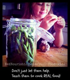 An eCourse to help you teach your kids how to cook REAL food. No boxed mixes or refined ingredients here.