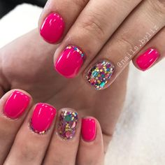 "If you're unfamiliar with nail trends and you hear the words ""coffin nails,"" what comes to mind? It's not nails with coffins drawn on them. It's long nails with a square tip, and the look has. Party Nails, Dipped Nails, Manicure And Pedicure, Pedicure Ideas, Glitter Pedicure, Pink Pedicure, Nail Ideas, Shellac Nails Glitter, Wedding Manicure"