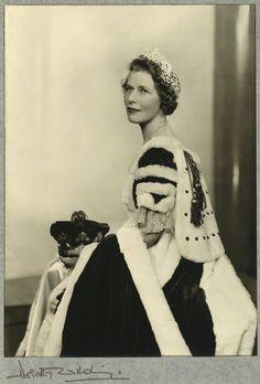 Richmond Diamond Tiara, worn by Elizabeth Grace Gordon-Lennox, Duchess of Richmond