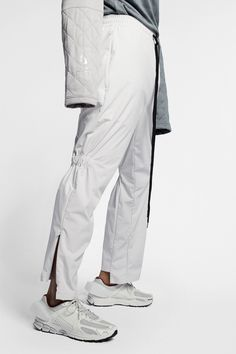 An Exclusive Closer Look at the A-COLD-WALL* x Nike Collaboration: Avant-garde sportswear. Fashion News, Mens Fashion, Style Fashion, A Cold Wall, Nike Outfits, Cropped Hoodie, Casual Wear, Active Wear, Sportswear