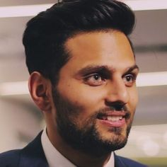 Jay Shetty is an Indian British Internet personality, motivational speaker and storyteller who has appeared on The Ellen DeGeneres Show and The Today Show. A Huffington Post vlogger, Shetty created… Russell Simmons, Hayat And Murat, Ellen Degeneres Show, Tim Ferriss, Man Crush Everyday, Hazel Eyes, Today Show, Celebs, Celebrities