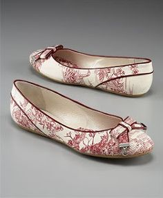 Toile shoes