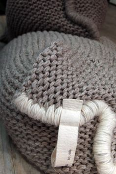 nice finishing for knitted cushion edges